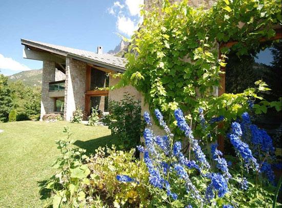 1960s six-bedroom modernist property in Les Vigneaux, Hautes-Alpes, Southeastern France