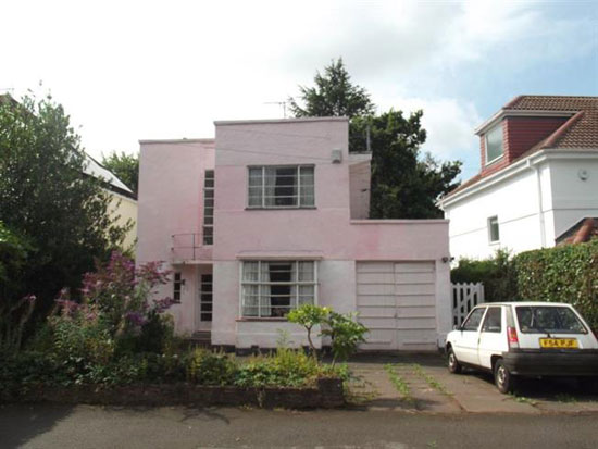 1930s art deco property in Wollaton Vale, Nottingham