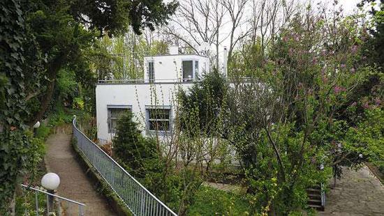 1930s Walter Loos-designed Haus Luser in Kritzendorf, Austria