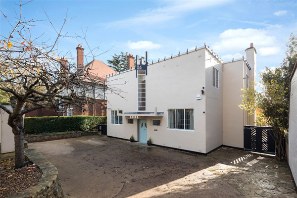 1. 1920s Peter Behrens-designed New Ways art deco house in Northampton, Northamptonshire