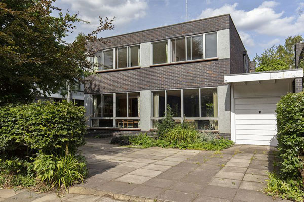 40. 1960s modern house in Kenwood, London N6