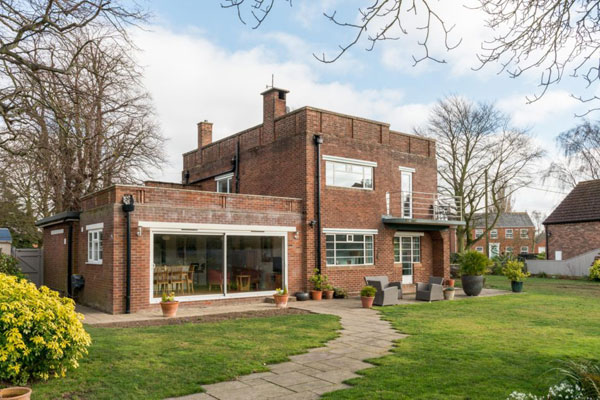 44. 1930s Norman Webster art deco house in Long Sutton, Lincolnshire