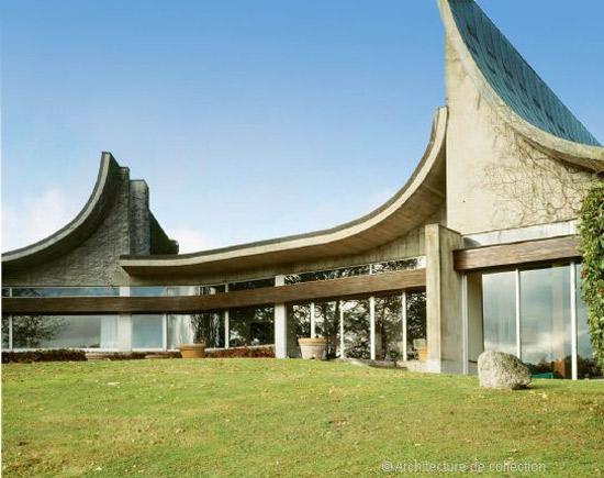 1960s Claude Parent-designed modernist property in Bois-le-Roy, near Paris, France