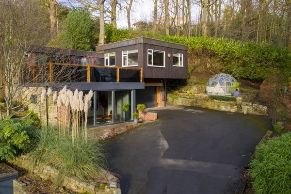 9. 1960s midcentury modern property in Huddersfield, West Yorkshire