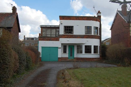 1930s three-bedroom art deco property in Wakefield, West Yorkshire