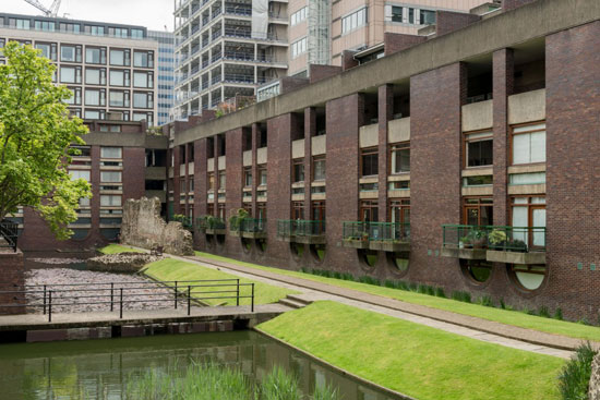 Five-bedroom modernist property in Wallside on the Barbican Estate, London EC2