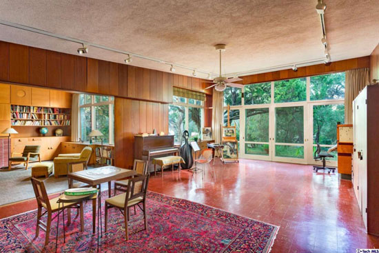 Preserved midcentury modern: 1940s Ted Criley Jr-designed Frank Thomas Residence in Flintridge, California, USA