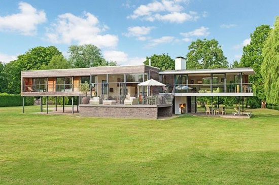 On the market: John Pardey-designed contemporary modernist property in Wargrave, Berkshire