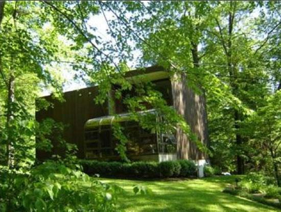 Gustavo da Roza-designed Expo 67 house in Warren, Warren County, Pennsylvania, USA