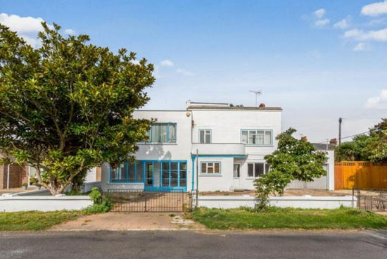 Five-bedroom 1930s art deco property in Middleton On Sea, West Sussex