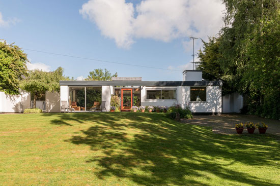 On the market: 1960s Ralph Baldwin midcentury-style property in Welwyn, Hertfordshire