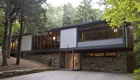 On the market: 1960s Thomas H. Fleming-designed midcentury modern property in Weston, Connecticut, USA
