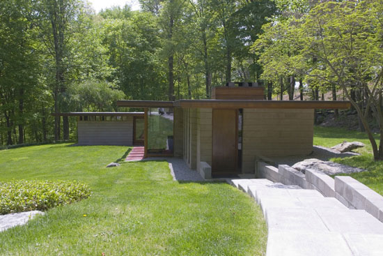 1960s Frank Lloyd Wright-inspired property in Weston, Connecticut, USA