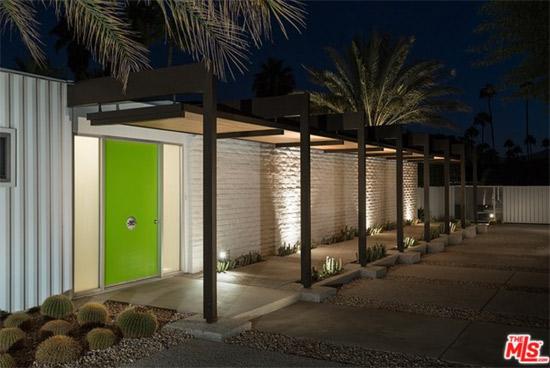 1950s Donald Wexler-designed midcentury modern in Palm Springs, California, USA