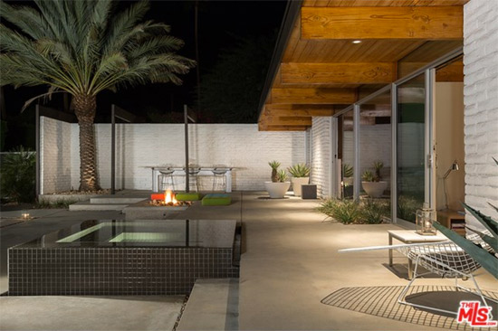 1950s Donald Wexler-designed midcentury modern in Palm Springs, California, USA