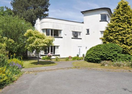 Five-bedroomed 1930s art deco house in Willaston, Wirral, Cheshire