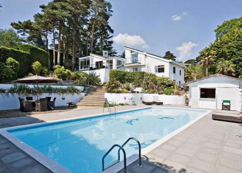 1960s-inspired living: The Palms in Colehill, Wimborne, Dorset