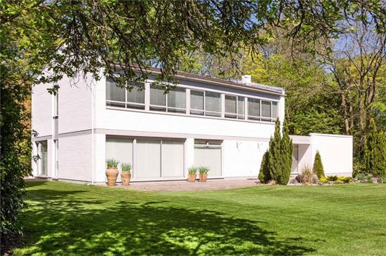 1970s Orchard House modernist property in Winchester, Hampshire