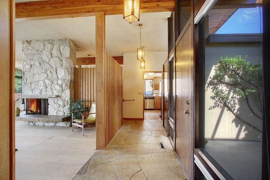 1960s Lawrence & Hazen-designed midcentury property in Seattle, Washington, USA