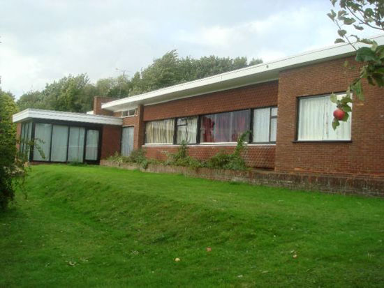 To let: 1960s John Roberts-designed four-bedroom single-storey property in Lincoln, Lincolnshire