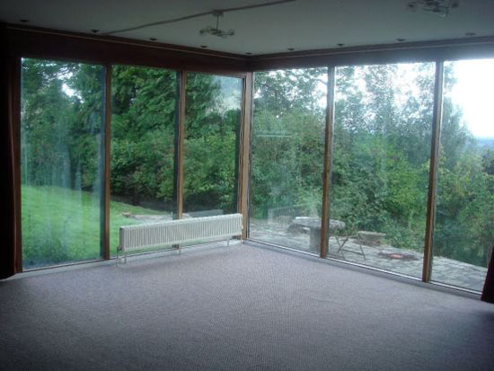 1960s John Roberts-designed four-bedroom single-storey property in Lincoln, Lincolnshire