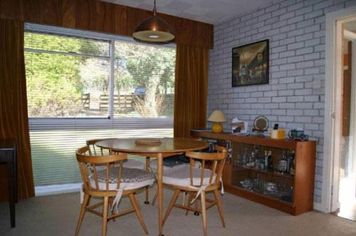 1960s architect-designed six-bedroomed house in Yelverton, Devon