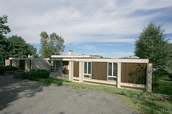 1960s midcentury-modern property in Katonah, New York state, USA